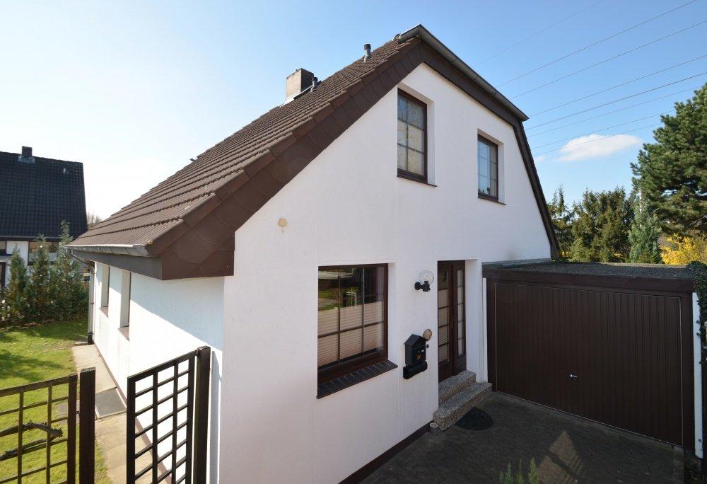 Immobilienmakler Hannover - Einfamilienhaus weiß