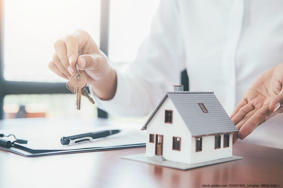 Immobilien Springe zu top Konditionen kaufen